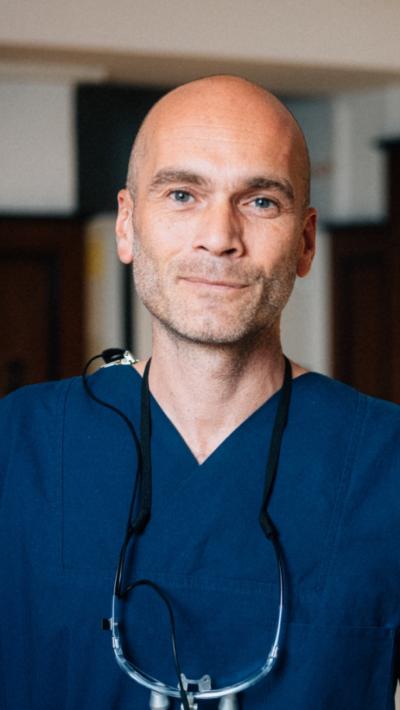 Dr-Martin-Ott-Zahnarzt-München-Ohmstrasse-13
